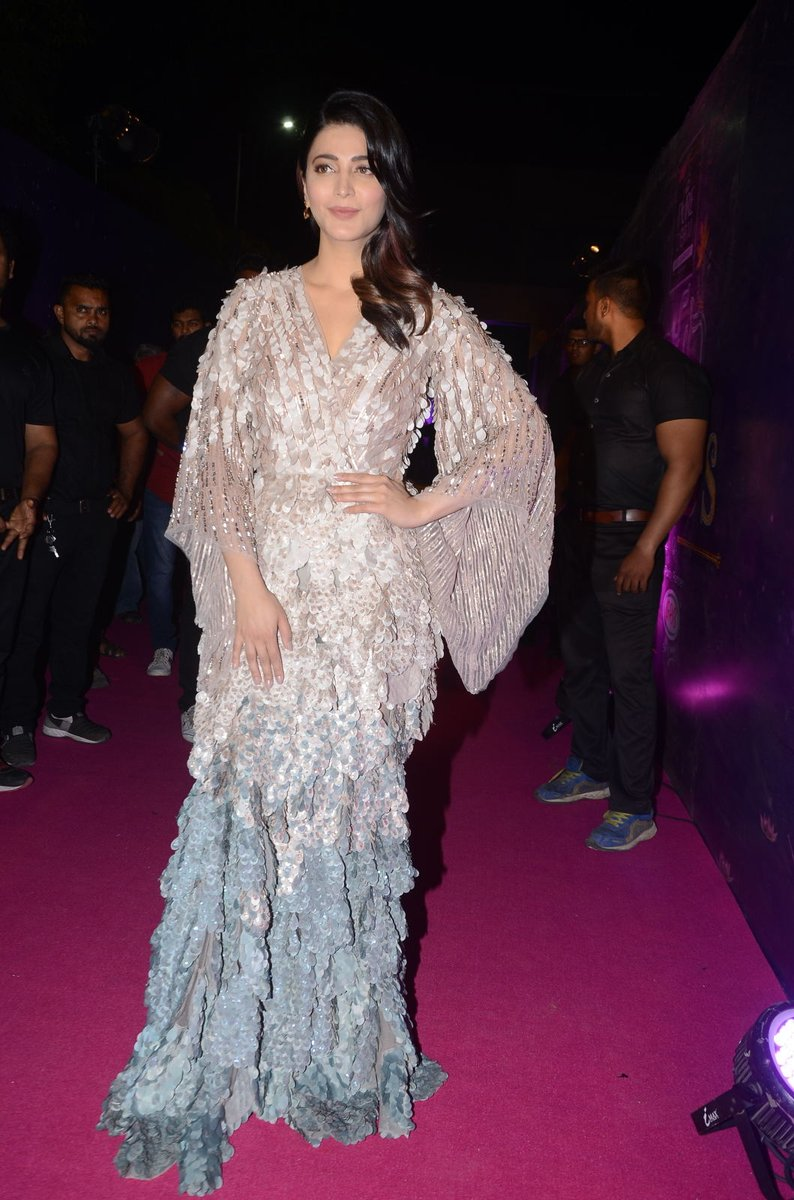 Zee Apsara Awards Shruti Haasan