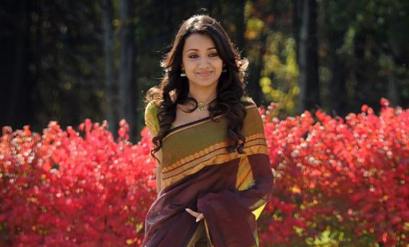Trisha in Vinnaithaandi Varuvaayaa